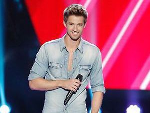 Josiah Hawley performs on The Voice US S04E02