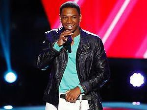Vedo performs on The Voice Season 4 premiere
