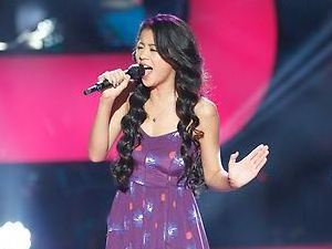 Leah Lewis performs on The Voice Season 4 premiere