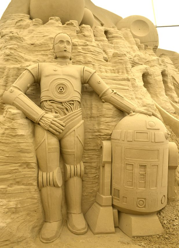 'Star Wars' sand sculptures in Weymouth