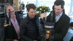 Tom Cruise pours 'perfect pint' before Irish 'Oblivion' premiere