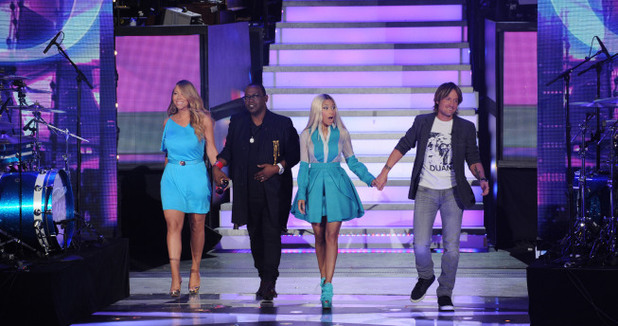 Mariah Carey, Randy Jackson, Nicki Minaj and Keith Urban arrive on stage