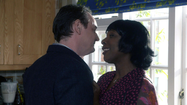 Gordon seduces Mrs Tembe