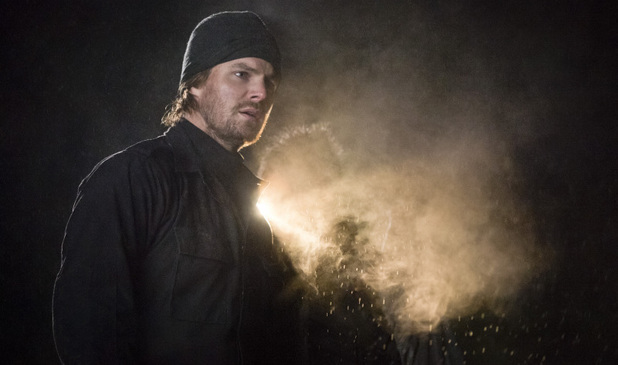 Stephen Amell as Oliver Queen in Arrow S01E18: 'Salvation'