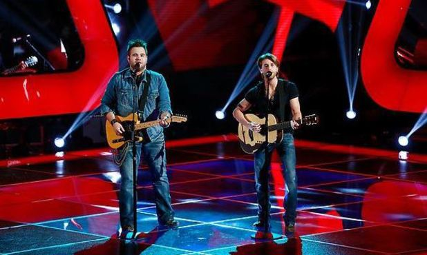 The Swon Bros performing on The Voice S04E03