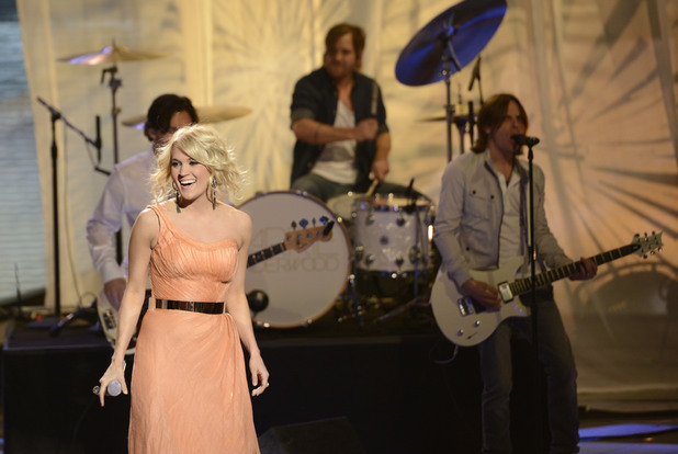 Carrie Underwood returns to 'American Idol' ~~ April 4, 2013