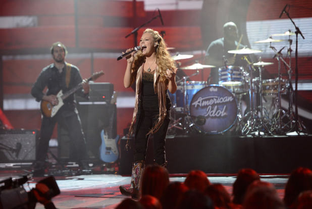 Janelle Arthur performs on American Idol