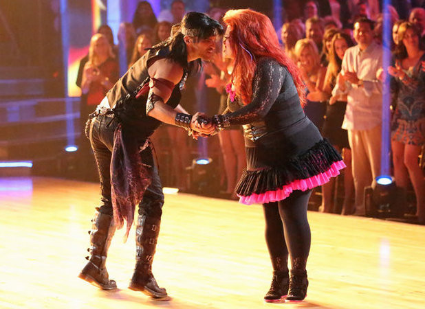 Dancing with the Stars - week 3: Tony Dovolani and Wynonna Judd