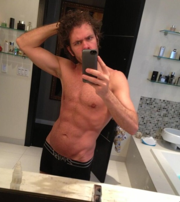 Perez Hilton, six pack, weight loss, twitter