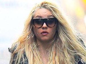 Amanda Bynes, cigarette, New York