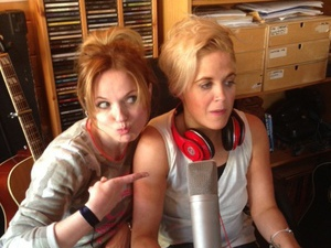 Geri Halliwell and Amy Wadge record new album in a shed.