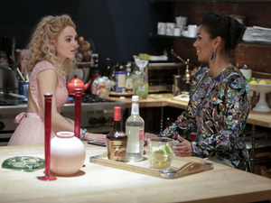 AnnaSophia Robb as Carrie and Freema Agyeman as Larissa in The Carrie Diaries S01E13: 'Kiss Yesterday Goodbye'