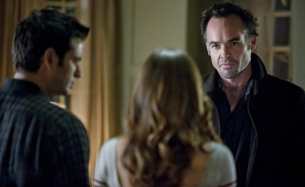 Colin Donnell as Tommy Merlyn, Katie Cassidy as Laurel Lance and Paul Blackthorne as Detective Lance in Arrow S01E09: 'Unfinished Business'