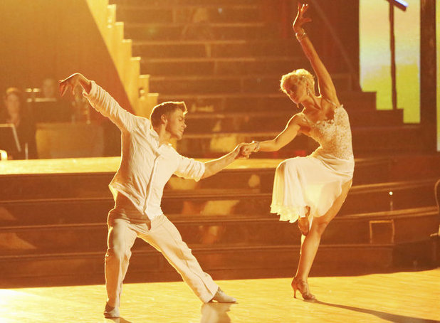 Dancing with the Stars - week 4: Derek Hough and Kellie Pickler