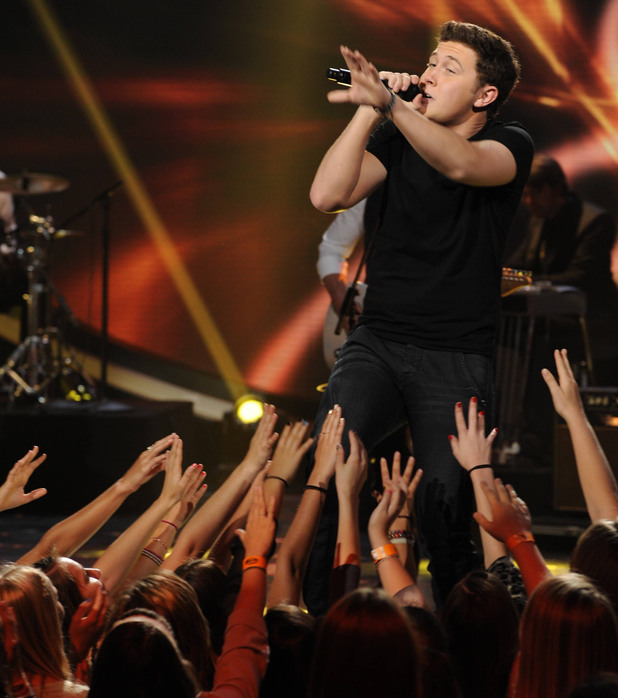Scotty McCreery performs on 'American Idol's Top 6 results show ~~ April 11, 2013 (season 12)