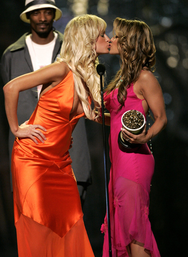 Paris Hilton, Carmen Electra