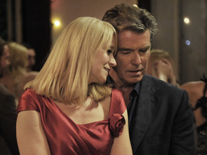 Pierce Brosnan, Trine Dyrholm in Love Is All You Need