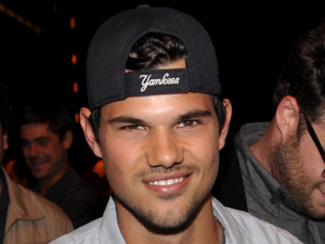 MTV Movie Awards 2013: Taylor Lautner ('Best Shirtless Performance', The Twilight Saga: Breaking Dawn - Part 2)