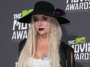 MTV Movie Awards 2013 red carpet: Ke$ha