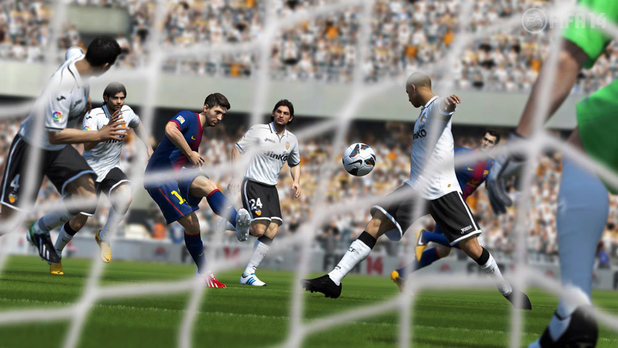 Gameplay screenshot of FIFA 14
