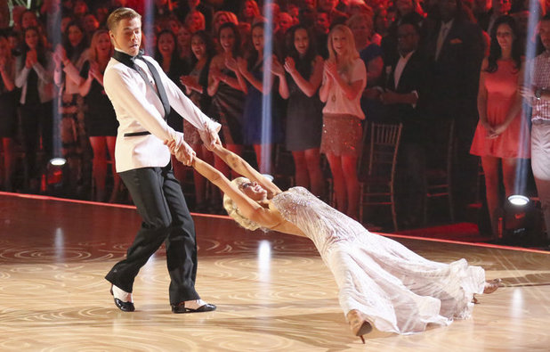 Dancing with the Stars - week 5: Kellie Pickler & Derek Hough
