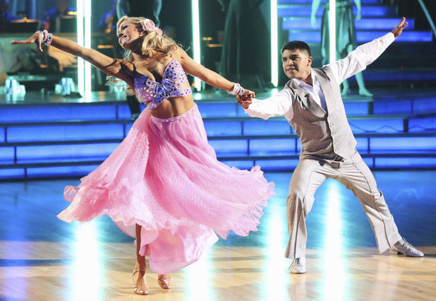 Dancing with the Stars - week 5: Victor Ortiz & Lindsay Arnold