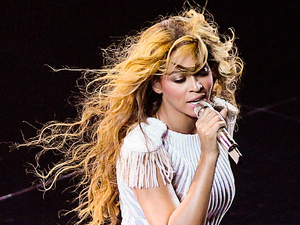 Beyoncé, in concert in Bratislava, Miss Carter World tour