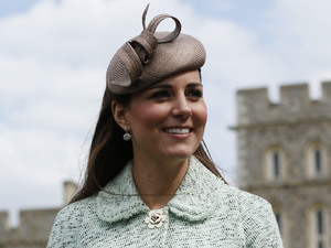 Duchess of Cambridge, Mulberry coat, National Review of Queen&#39;s Scouts, Chief Scout Bear Grylls, baby bump