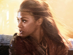 Zoe Saldana as Uhura in 'Star Trek Into Darkness'