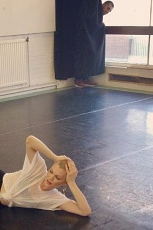 Jessie J gets photobombed as she rehearses.