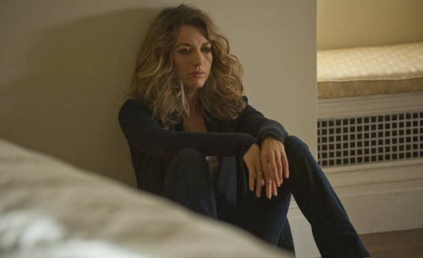 Claire (Natalie Zea) is trapped in The Following S01E14: 'The End Is Near'