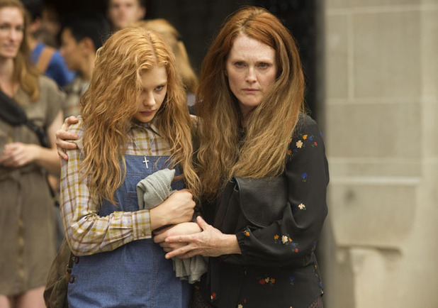 Chloë Grace Moretz and Julianne Moore in 'Carrie'
