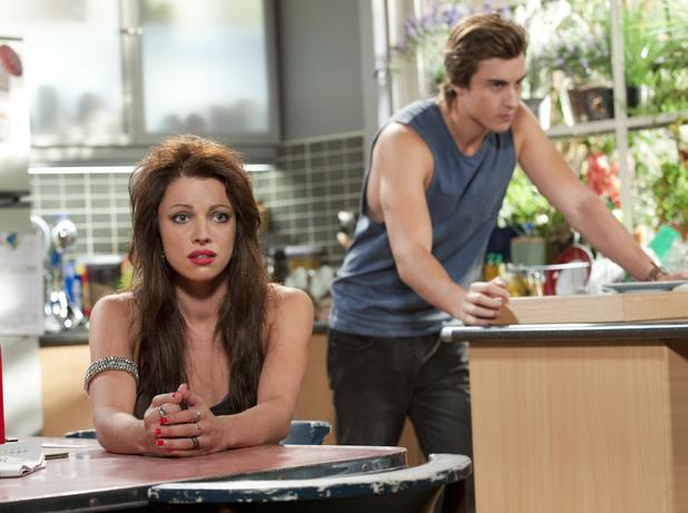 Mason struggles to get rid of Rhiannon.