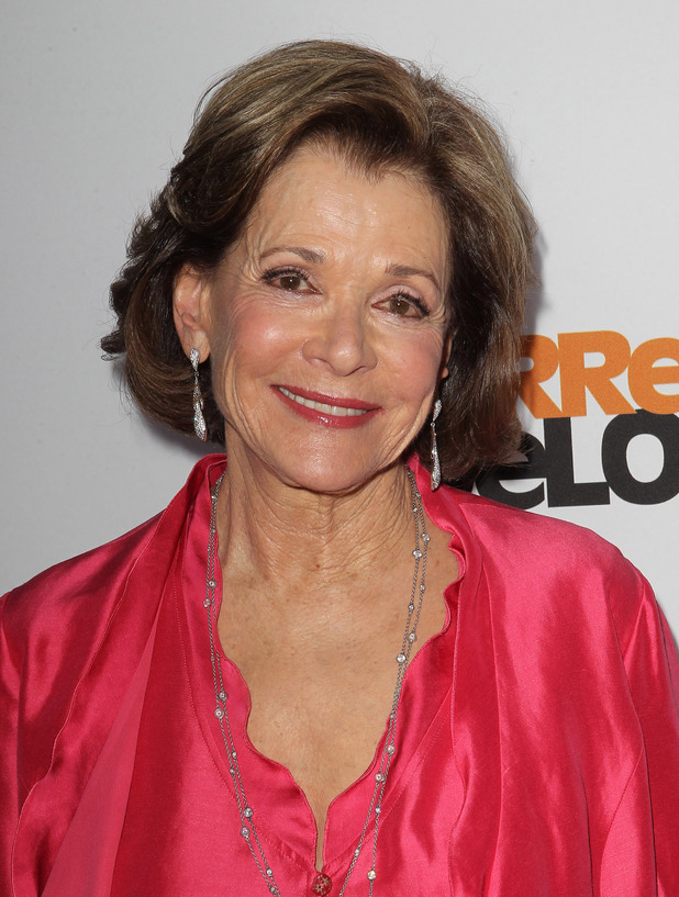 The 77-year old daughter of father David Walter and mother Esther Walter, 173 cm tall Jessica Walter in 2018 photo