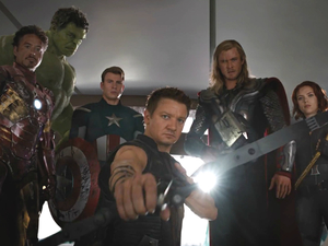 Robert Downey Jr, Mark Ruffalo, Chris Evans, Jeremy Renner, Chris Hemsworth, Scarlett Johansson The Avengers group shot