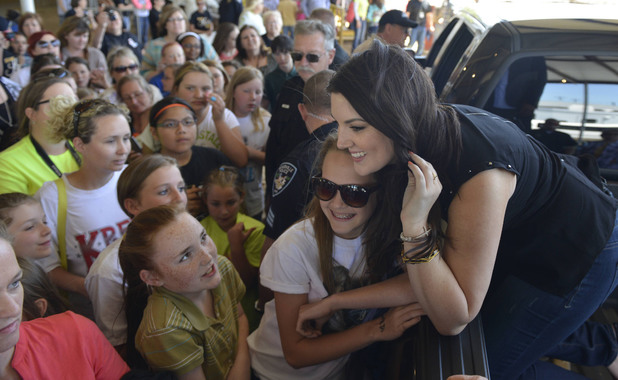 'American Idol' semi-finals: Kree Harrison meets fans on her hometown visit to Woodville, TX