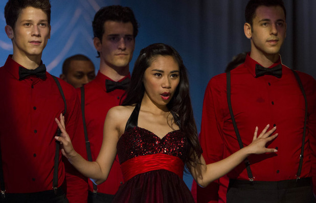 Jessica Sanchez performs in Glee S04E22: 'All or Nothing'