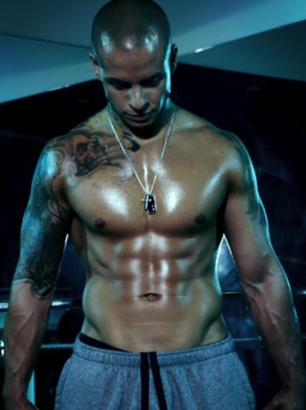 Casper Smart, shirtless, twitter, gay spy, six pack
