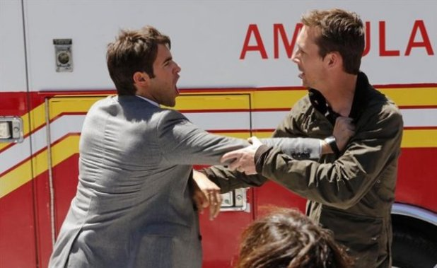 Josh Bowman, Barry Sloane in Revenge S02E22: Truth - Part 2