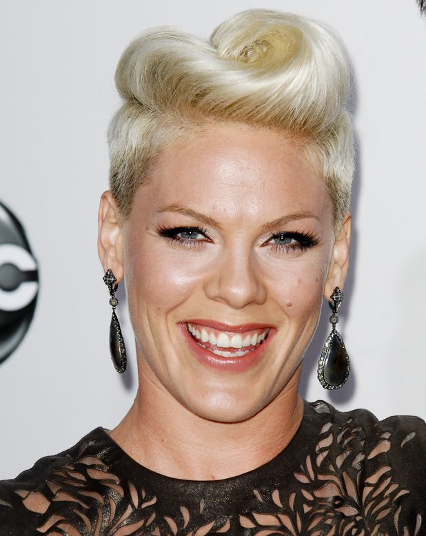 Pink, quiff, blonde, 40th Anniversary American Music Awards 2012, LA