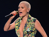 Jessie J wears plunging jumpsuit on 'American Idol' finale - pictures