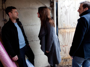 8138: As Carla catches Rob with the stolen silk she demands to know why he ripped her off