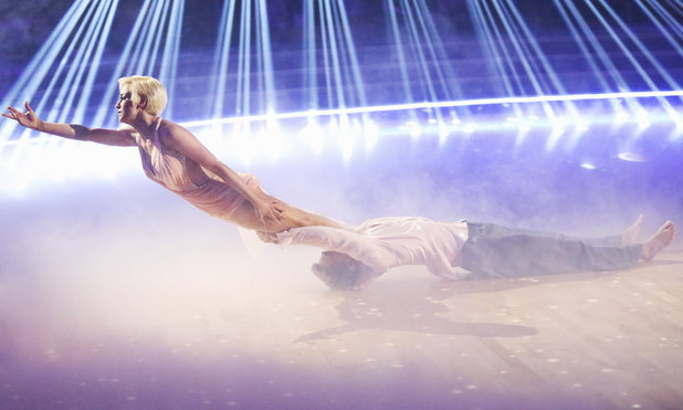 Dancing With The Stars Finale (Week 10): Derek Hough & Kellie Pickler