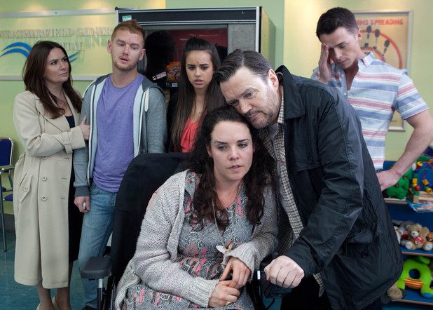 8135: As Gary holds Katy responsible for Tina going into labour, a furious Izzy bites back that it's Gary who's to blame for hitting on Tina and causing her stress.