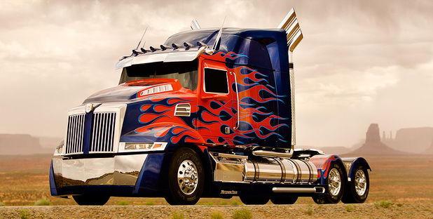 First look at Optimus Prime in 'Transformers 4'