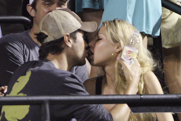 "Enrique Iglesias, Anna Kournikova, kiss cam,  ""kiss cam"" during a match between Serena Williams and her sister Venus Williams at the Sony Ericsson Open tennis tournament in Key Biscayne"