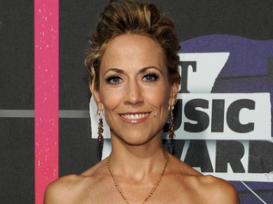 Sheryl Crow arriving at the 2013 CMT Music Awards