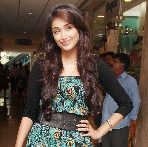 Jiah Khan (aka Nafisa Khan) at Baggit's New Collection Preview in Mumbai ~~ September 26, 2012