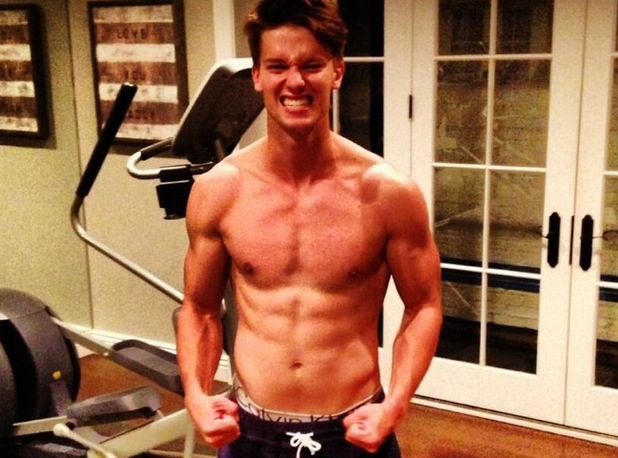 Patrick Schwarzenegger, twitter, shirtless, work out