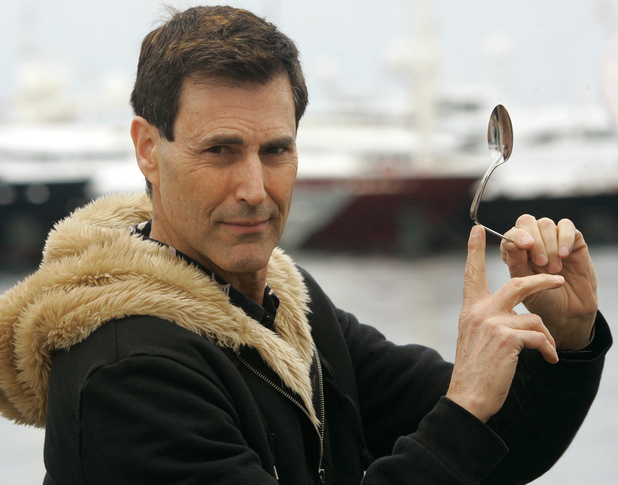 uri geller worked as a cia spy against the russians